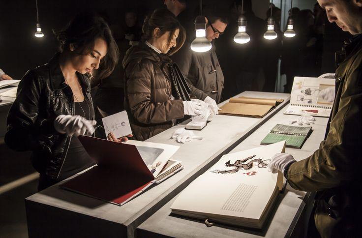 """Pg Art Gallery 15 Şubat – 14 Mart tarihleri arasında Funda Alkan, Ceyda Aykan, Kerem Ozan Bayraktar, Elsa Ers Brosh, Can Ertaş, Reysi Kamhi, Ayşecan Kurtay, Sinan Logie, Devran Mursaloğlu, Hale Güngör Oppenheimer, Yağız Özgen, Tunca Subaşı ve Ayşe Wilson'ın defterlerinin yer aldığı """"[ ]"""" sergisine ev sahipliği yapıyor. #artfulliving #sergi #exhibition #contemporaryart #pgartgallery #fundaalkan #ceydaaykan #keremozanbayraktar #elsaersbrosh #canertas #reysikamhi #aysecankurtay"""