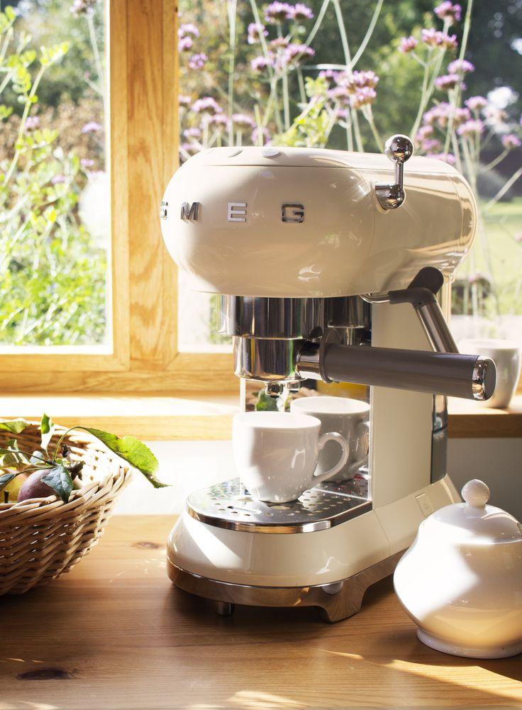 Smeg ECF01 Espresso Coffee Machine, cream