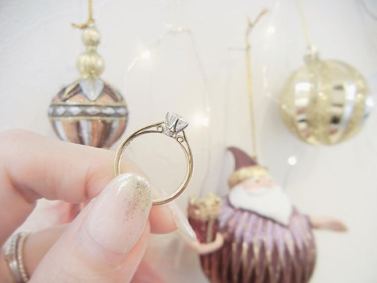 いいね!232件、コメント1件 ― LAPAGE ラパージュ- 婚約指輪 結婚指輪-さん(@lapage_bridal)のInstagramアカウント: 「11月になった途端 街はもうクリスマスモード🎄💓 . クリスマスプレゼントに プロポーズをお考えの方は そろそろご準備を* . 取り扱い店によっては 2ヶ月お時間をいただく場合がございます* . .…」