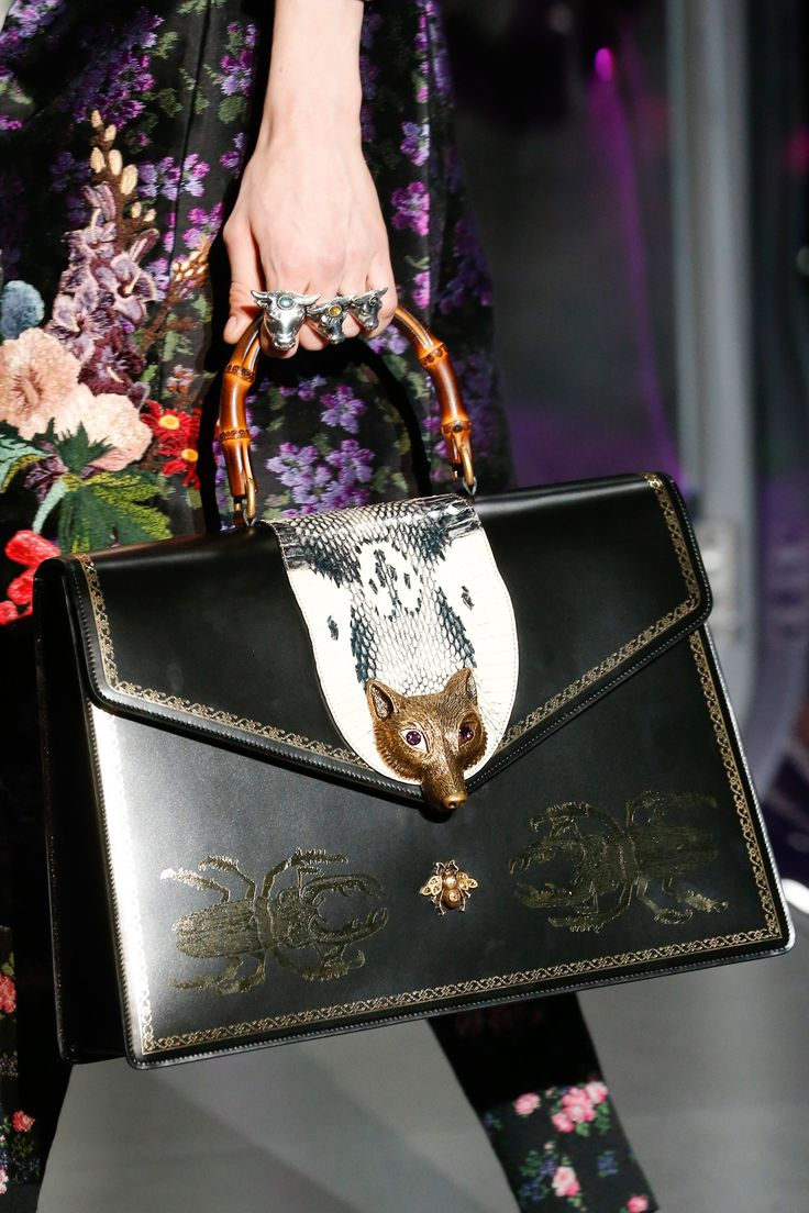 fd626fd6356 Gucci Fall 2017 Ready-to-Wear Accessories Photos - Vogue