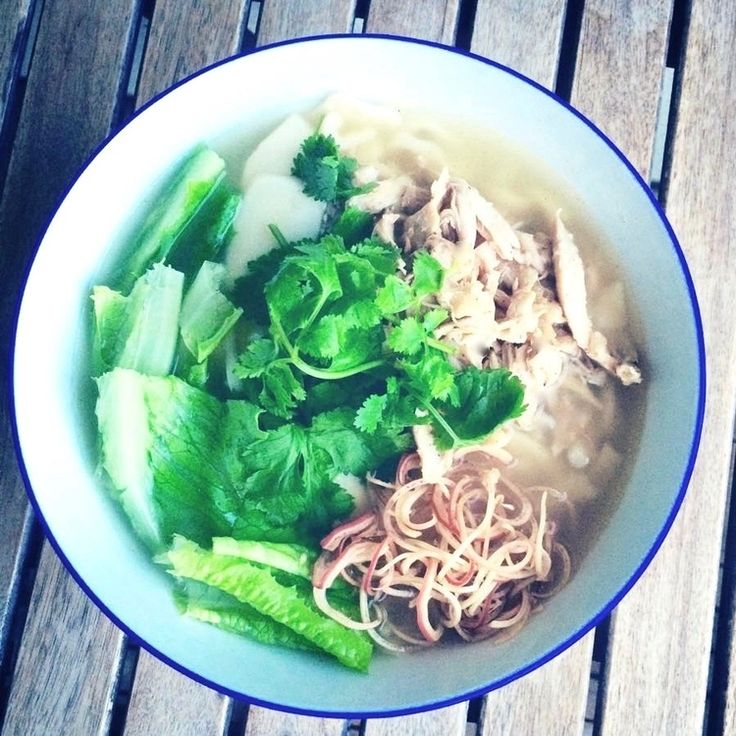 This recipe for Dak Kalguksu,a garlicky, aromatic Korean chicken soup with knife cut noodles,is more than achievable at home. To be truthful, it's incredibly easy.