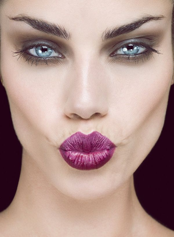 Make-up look - Purple lips