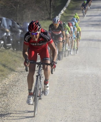 Greg Van Avermaet atakuje na Strade Bianche 2012