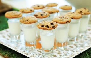 milk and cookie shots!Candy Bars, Bar Games, Late Night Snacks, Creative Insanity, Baby Shower Games, Trendy Baby, Candies Bar, Simply Creative, Cookies Shots