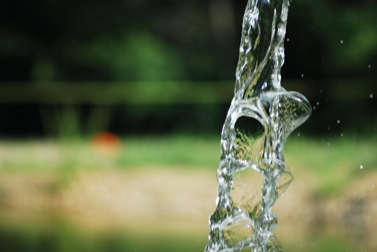 Es solo agua ¿qué pasa si no bebo lo suficiente? La hidratación es básica para mantener en perfectas condiciones el organismo, incluyendo el cerebro, sin un nivel de hidratación correcto, el rendimiento cognitivo se ve afectado en todas las edades, incluso en los más jóvenes. Lee más en nuestro blog. http://www.aguaquecuidadeti.com/  #agua #salud #cuidado