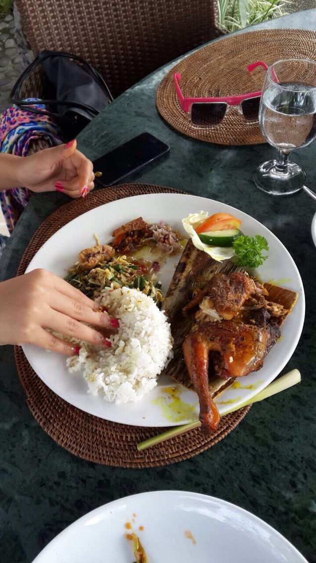 Bebek tepi sawah at UBUD - BALI.. Oh it'a just perfect..!! Must try..