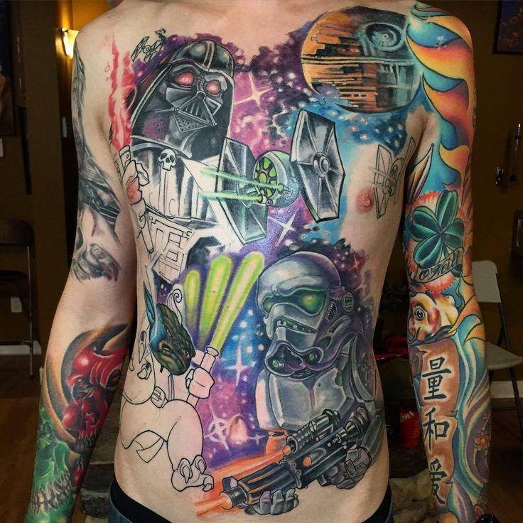 Tetovált lányok - képtelenség.hu