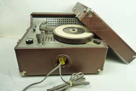 Vintage Newcomb Audio Products Record Player R124 Put