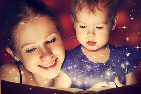 Leggere una fiaba ai piccoli prima della nanna fa bene sia a loro che a noi!  Scopri tutti i nostri #consigli: http://www.dimmidisi.it/it/dimmidipiu/idee_in_pochi_minuti/article/cera_una_volta_.htm - #dimmidisi #tutorial #infanzia #mamma #mamme #mother #filastrocca
