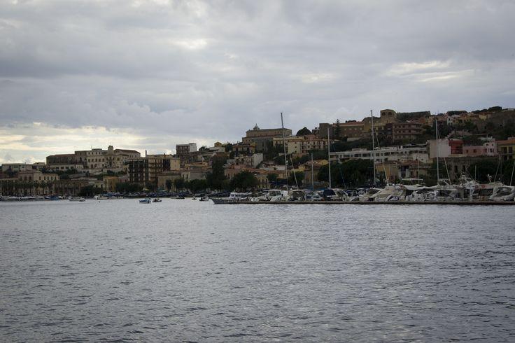 Италия, Сицилия, Милаццо. #italia #sicily #isoleeolie #sea #yacht #travel #nature #Island #milazzo #evening #fotoolgavolyanskaya