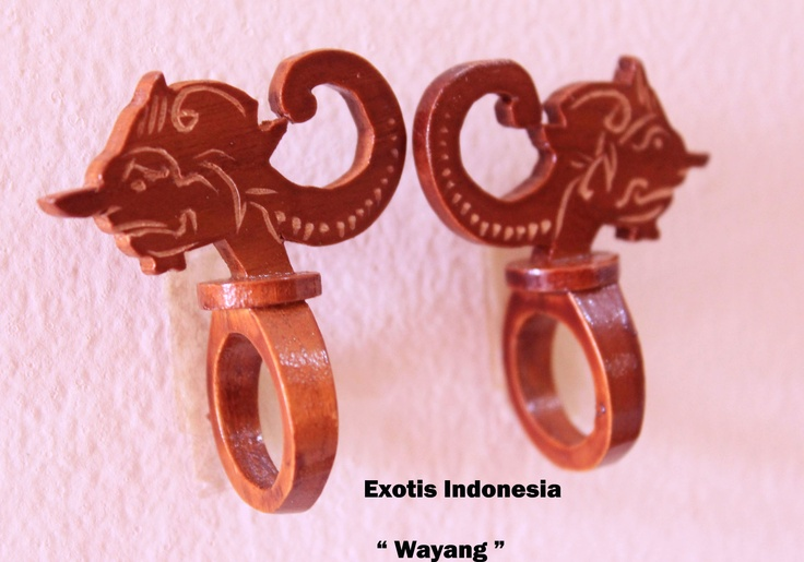"""Wayang"" - Design accessories andrauni valentina nganduh.Inspiration from culture Indonesia"