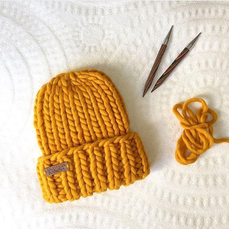 Вот такая вкусная шапочка получается из одного мотка #KeepCalmThisWool #WoolandMania за пару часов  Спицы для вязания 10-12 мм Фото и работа @postik1