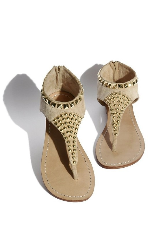 Suede sandals with studs: Fun Footwear, Studs Sandals, Sandals, Shoes Glorious, Suede Sandals, Su Studs, Cute Sandals, Glorious Shoes, Gold Studs