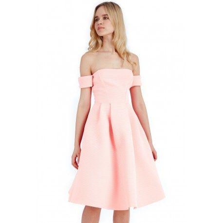 Morelowa neoprenowa rozkloszowana sukienka midi z kieszeniami odsłonięte ramiona