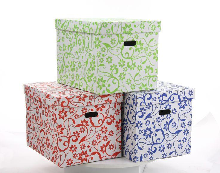 Dekokarton 420x320x320 mm  Der ästhetische Farbenaufdruck erlaubt, diese Schachtel in Ihrer Wohnung schön auszustellen, ohne sie in Schränken zu verstecken. Dekorkartons sind leicht und bequem zum Tragen dank breiten Handgrifflöchern.  #Dekokarton #Versandkarton #Schachtel #Klappdeckel #Versand #Verpakungsmaterial #Karton