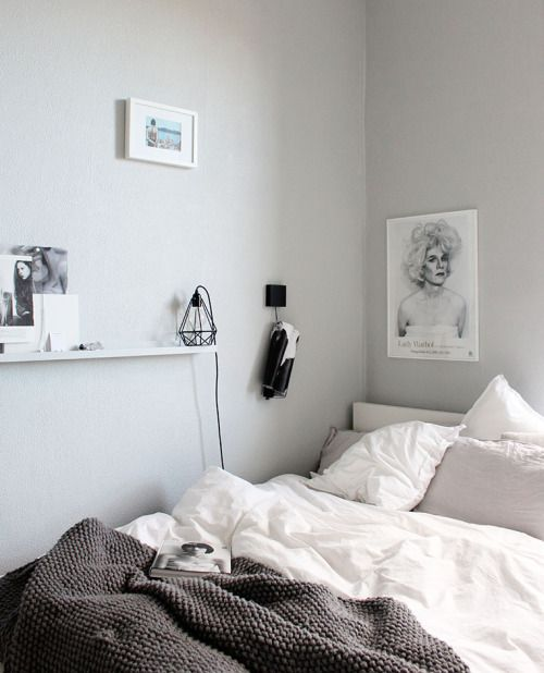 Teen S Bedroom With Feature Grey Wall And Monochrome Bed Linen: 1000+ Ideas About Grey Teen Bedrooms On Pinterest