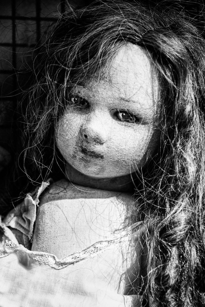 The Souls Of Dolls: Photos Of Abandoned Children Companions | Bored Panda. I bet if this doll could talk, she'd have quite a story to tell.