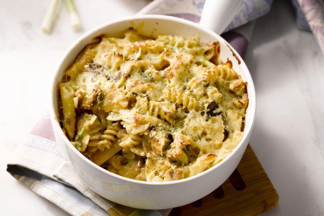 Porcini is het Italiaanse woord voor eekhoorntjesbrood, een stevige paddenstoel die zich uitstekend leent voor lekkere ovenschotels als deze!