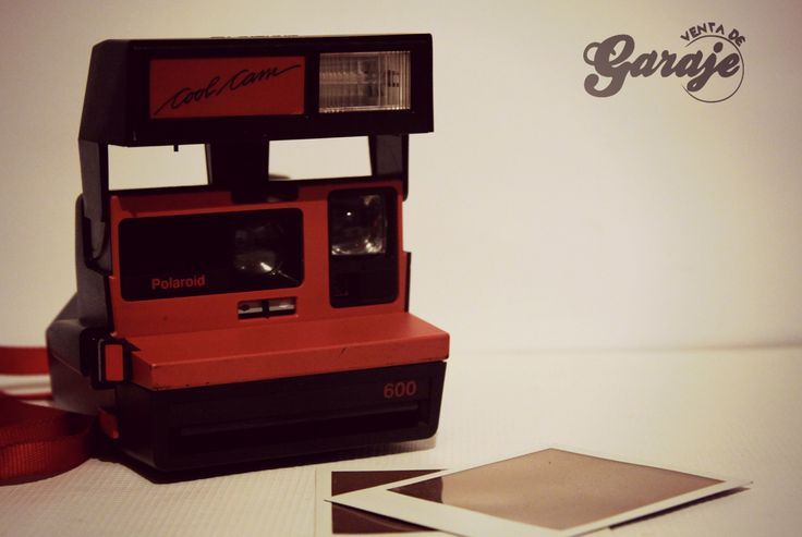Cámara instantánea Polaroid Cool Cam Utiliza película Polaroid 600 o PX serie 600. #ventadegaraje #polaroid #Polaroidmexico #fotografia #vintage https://www.facebook.com/ventadegarajemx