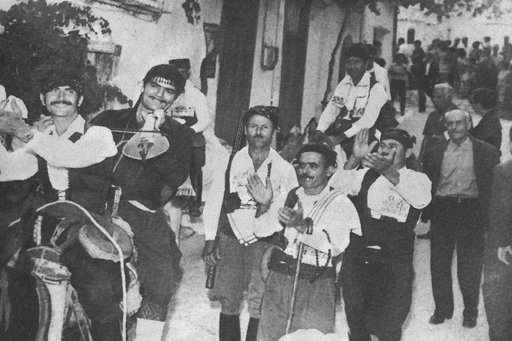 Spyros Sifogiorgakis.... Πολιτιστικός Σύλλογος Κριτσά - Λατώ — with ΜΑΝΩΛΗΣ ΔΑΤΣΕΡΗΣ.