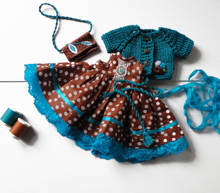 #Dolldress, #browndolldress #doll outfit #smallprintonfabric #dressbrown #turquoisepolkadot, #dollclothing