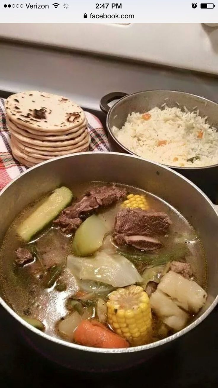 Sopa de res comida Salvadoreña.