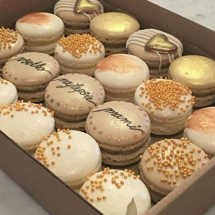 Elegant white, gold and beige combination for birthday macaron box :)