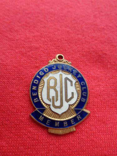 c-1946-1952-BENDIGO-JOCKEY-CLUB-RACING-MEMBERSHIP-BADGE