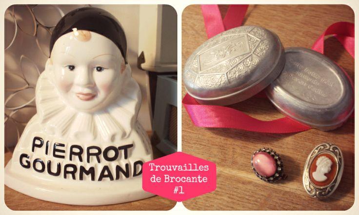Objets anciens : Pierrot Gourmand, boîte de savon Cadum et broches vintage.  vintage things
