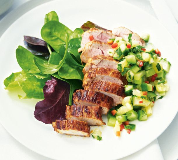 Unser beliebtes Rezept für Schweinefilet mit Ananas-Gurken-Salsa und mehr als 55.000 weitere kostenlose Rezepte auf LECKER.de.
