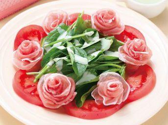 Салат «Розы»   Салат «Розы»   станет украшением вашего стола по любому случаю и, несмотря на свою простоту и незамысловатость входящих ингредиентов, будет принят с восторгом. Его можно подавать на любое торжество, и быть уверенным в успехе!