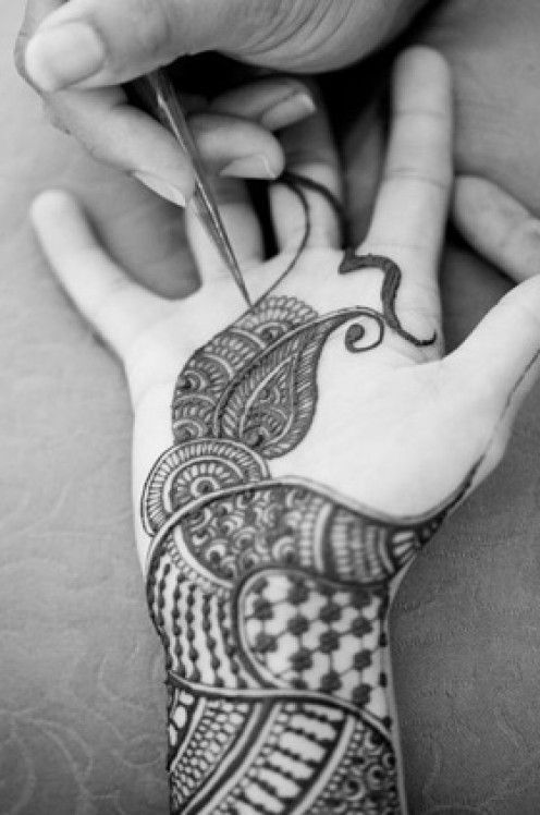Henna. Sudan and North African Fashion Tradition