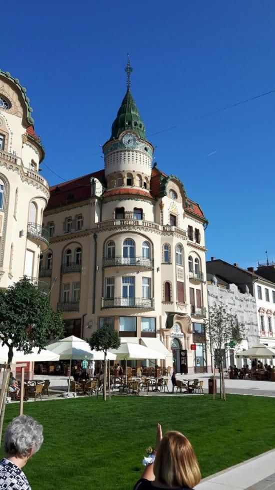 Black Hawk (Vulturul Negru) Palace Arcade (Oradea, Romania): Hours, Address, Architectural Building Reviews - TripAdvisor