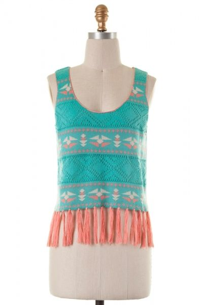 Sleeveless cut out detailed crop top with fringe detailing