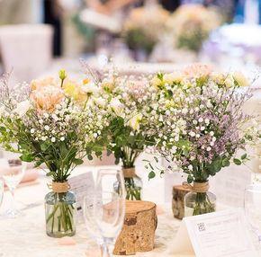 ̣̣̥◌⑅⃝♡ #かすみ草 をメインにした#ミニブーケ を ぽんぽんぽんと3つ並べた #ゲストテーブル 装花 * ピンクやラベンダーカラーの 華やかなお花がたくさんで、 ナチュラル可愛いコーディネートです✨ * ブーケタイプなので、 そのままゲストに持って帰って貰いやすいのも 嬉しいポイントですね ♡*̣̣̥◌⑅⃝ photo by @s_wd_1103 #プレ花嫁#結婚式#結婚#結婚式準備#婚約中#婚約#プロポーズ#ゲストテーブル装花#テーブル装花#テーブルコーディネート#ブーケ#ナチュラルウェディング#marry#marryxoxo