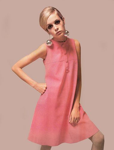 British model Twiggy was iconic in that era, and many women were trying to look like her at the time. Description from chicous.com. I searched for this on bing.com/images