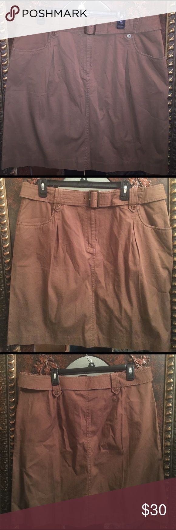 Brown Cotton Stretch Skirt NWOT Super Cute !! 96% cotton 4 % spandex stretch skirt zipper front with fasteners and matching belt. Two front pockets. Talbots Skirts Midi