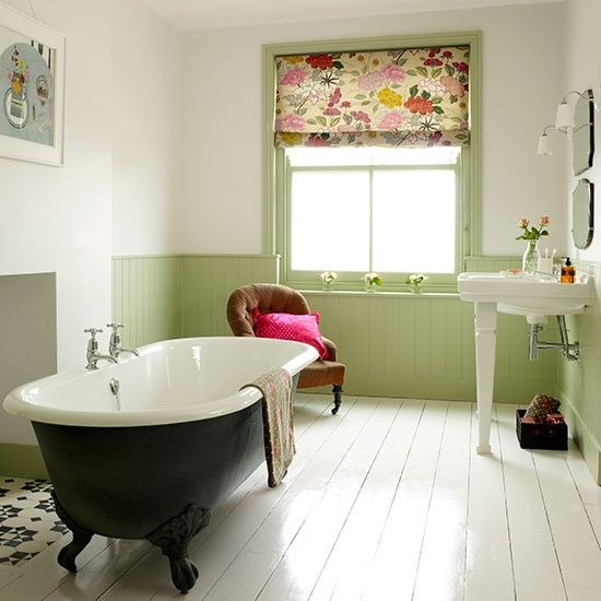 Light bathroom with roll-top bath | Traditional bathroom ideas – 10 of the best …
