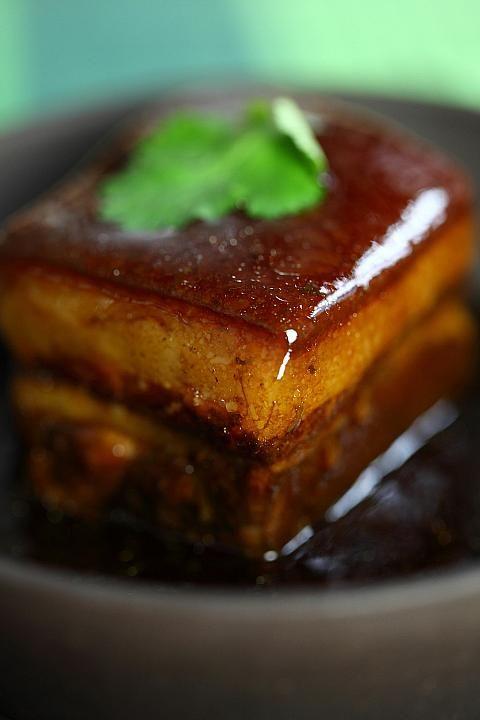 上海料理のとろける食感の「東坡肉」 <上海の旅行の観光・見所一覧>