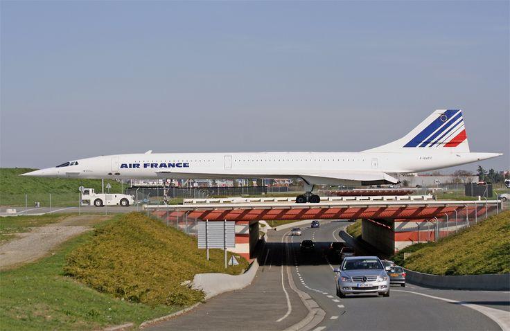"""Concorde """"Air France"""" et circulation routière"""