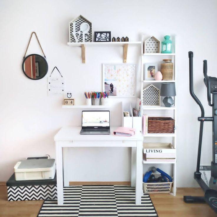 Drabina regał jako część domowego biura.   #ladder #laddershelf #drabinka #drabina #regał #homedecor #homespace #interiorideas #interiordesign #homeoffice #workspace #owrkspaceideas