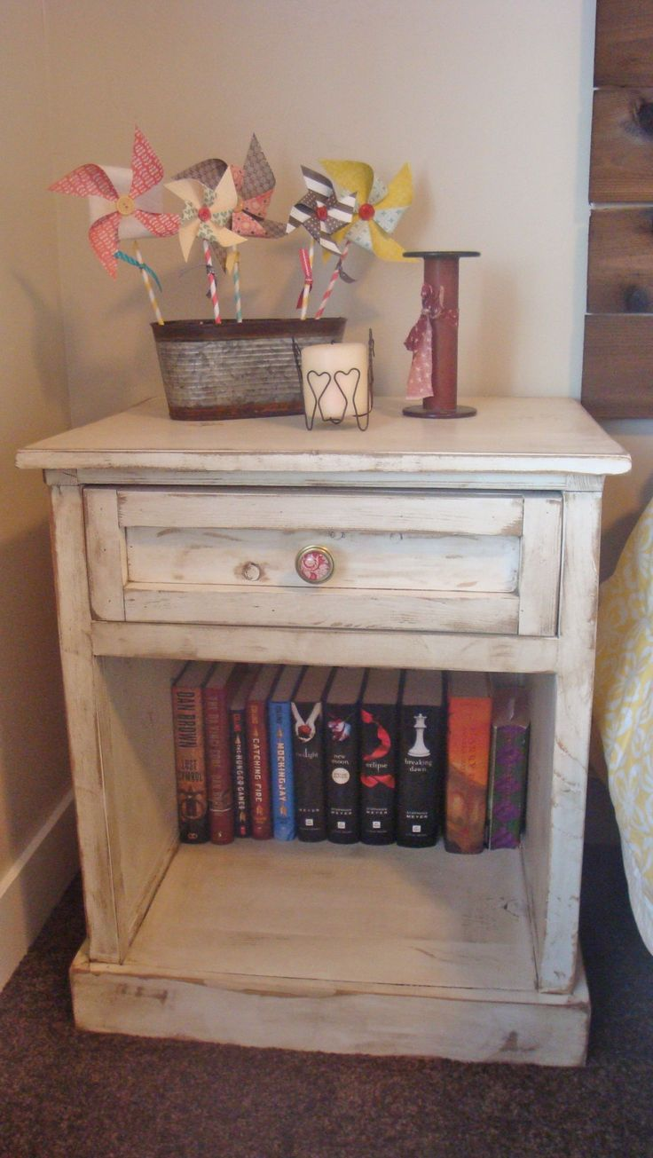 Briana Side Table | Do It Yourself Home Projects From Ana White. Bedroom End  ...
