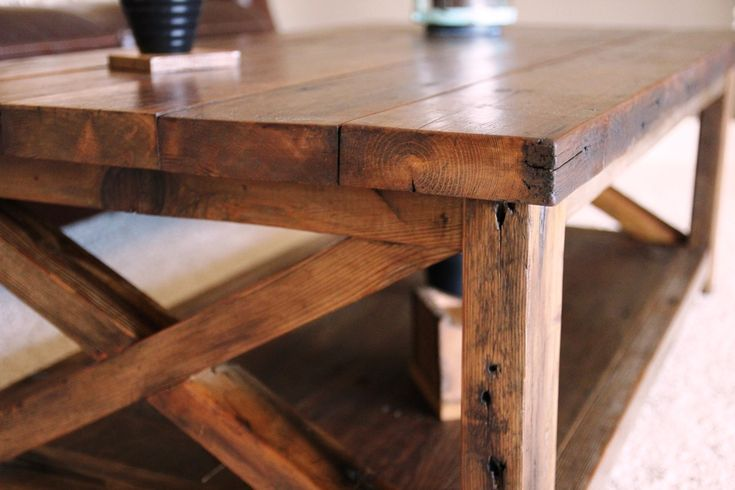 Reclaimed barn wood coffee table!  @Meribeth Singleton you make this for me? With all your free time?