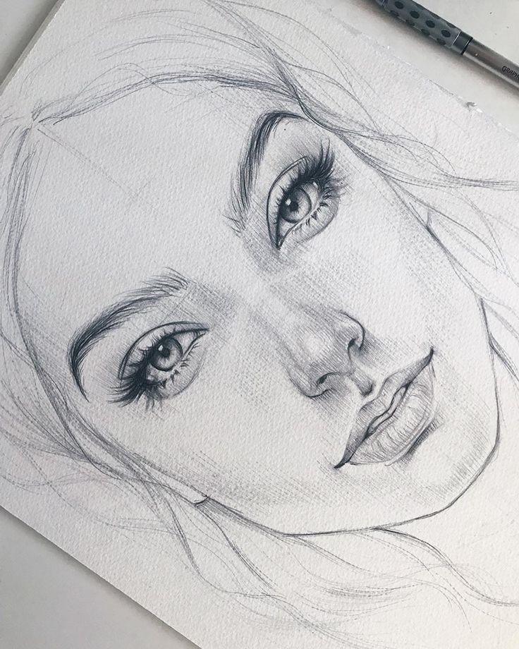 En raison d'un défaut de papier, la jeune fille aura une cicatrice sur la joue :( Из-за д