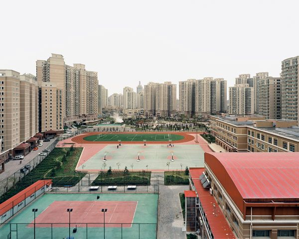 Wangjing Xiyuan Third District, Chaoyang District, Beijing, 2003, Photo:  Sze Tsung