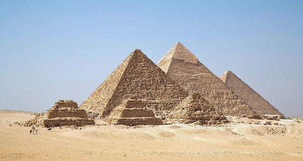 A Grande Pirâmide de Gizé - Out4Mind