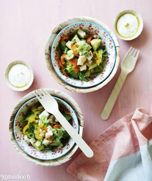 Peruna-broilerisalaatti | Kotivinkki Text: Marja Samuli Pic: Riikka Kantinkoski #salad #potato #chicken
