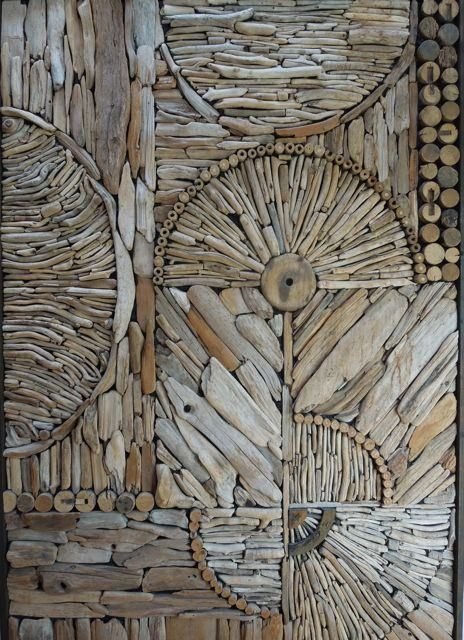 Love this picture of a nice driftwood mosaic/pattern by Kathy Killip, interesting idea for a wall decoration! More information: Kathy Killip website !…