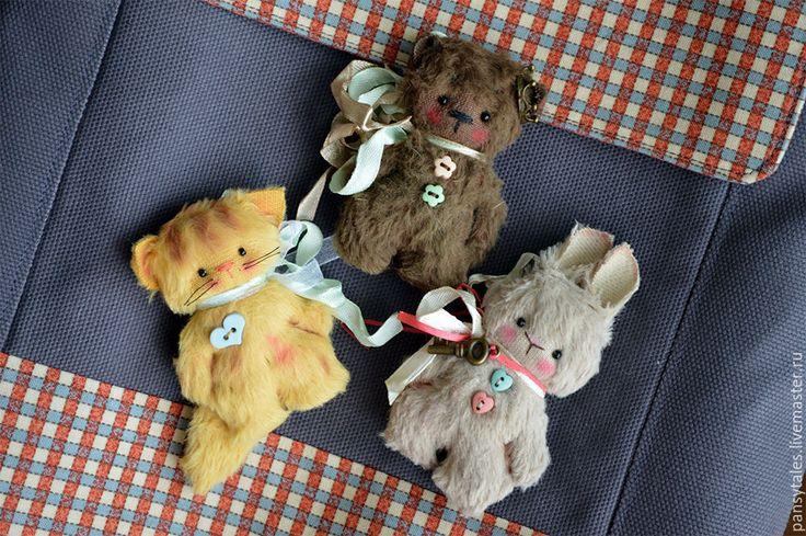 Купить Сумкожители или броши - разноцветный, подарок, сувенир, брошь, три медведя, турченко анна