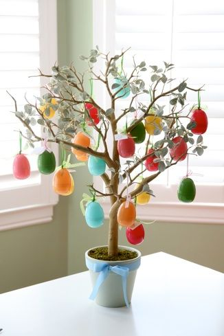 Easter Tree - with 21 symbols of easter inside. This is a GREAT post, PACKED with ideas for a meaningful Easter (check out all of her Easter ideas under her 'favorites' tab)